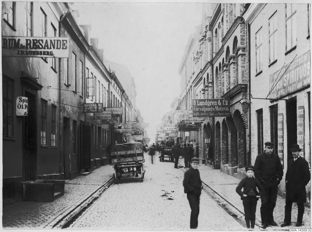 Sillgatan, Gothenburg in 1888, an important street for those who emigrated from Sweden to America
