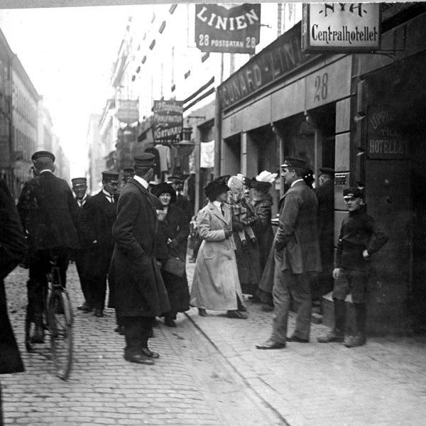 A gathering at Cunard Line at Postgatan 28, Gothenburg, 1912.