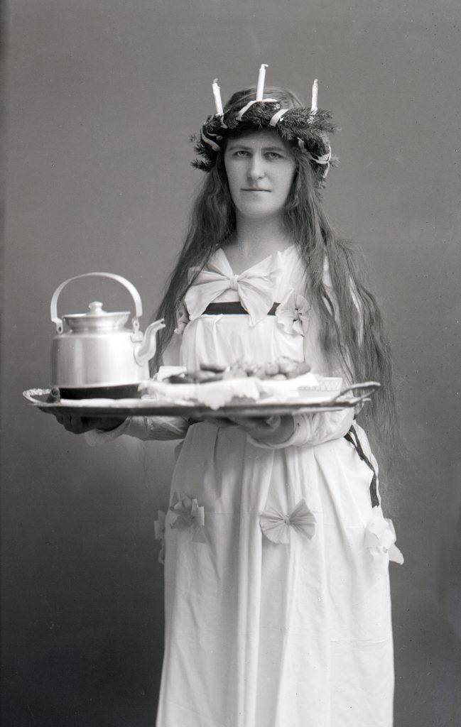 Stina Nordkvist som Lucia, Skövde museum, PDM