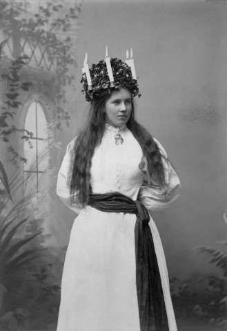 Lucia på Skansen 1896. Pers Karin Olsdotter.